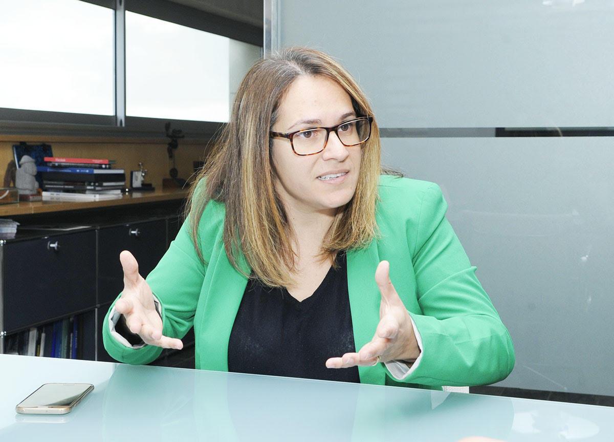 La presidenta apuesta por tener a Menorca preparada para instalar plantas productoras cuando el marco legal estatal cambie y sea más favorable.