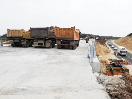 (Galería de fotos) Pruebas de carga en el acceso a Alaior