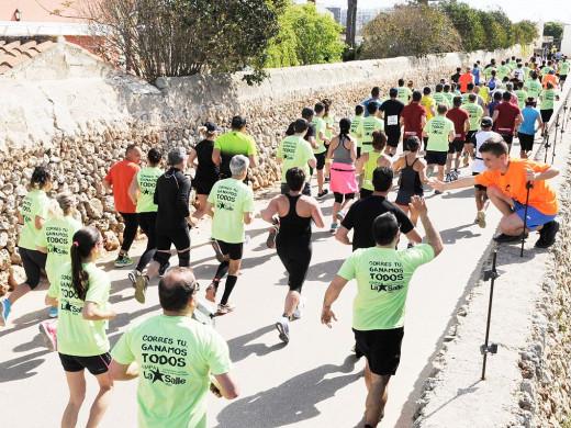 (Galería de fotos) Maó corre por una causa solidaria