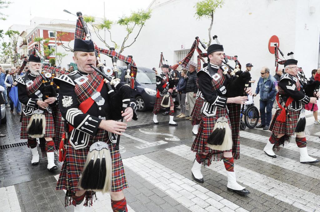 No es la primera vez que la banda de gaiteros escoceses actúa en Es Castell