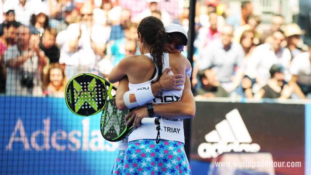 Triay y Sainz se abrazan tras el triunfo (Foto: World Padel Tour)