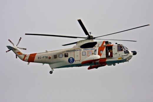 Imagen de un helicóptero de Salvamento Marítimo