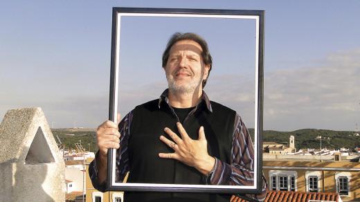 El pintor y publicista Pau Sintes será el encargado de dar el pregón en las fiestas de Alaior.