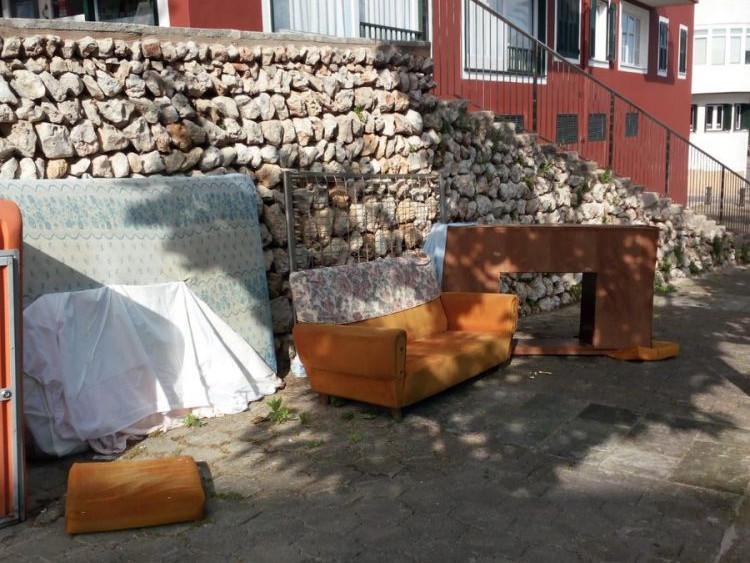 Mobiliario en Tanques del Carme.