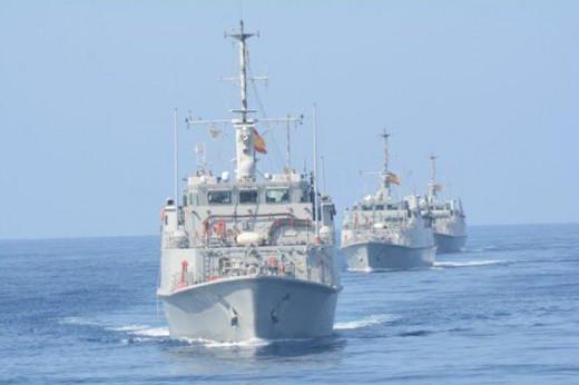 La Armada Española ha activado a dos cazaminas para la búsqueda.