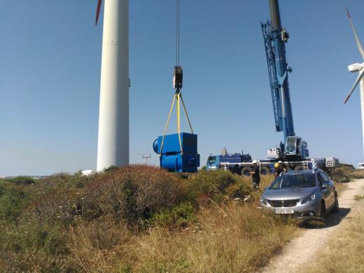 Imagen de los trabajos que se están realizando en el parque eólico de Milà: Fotos y vídeo: twitter de Rafael Muñoz Campos