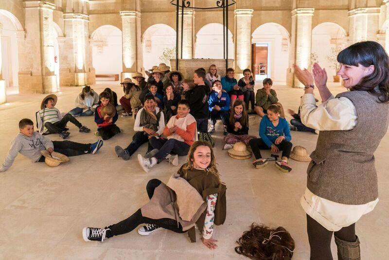 Imagen de una actividad didáctica para escolares organizada por el Museu de Menorca. Foto: Consell Insular de Menorca