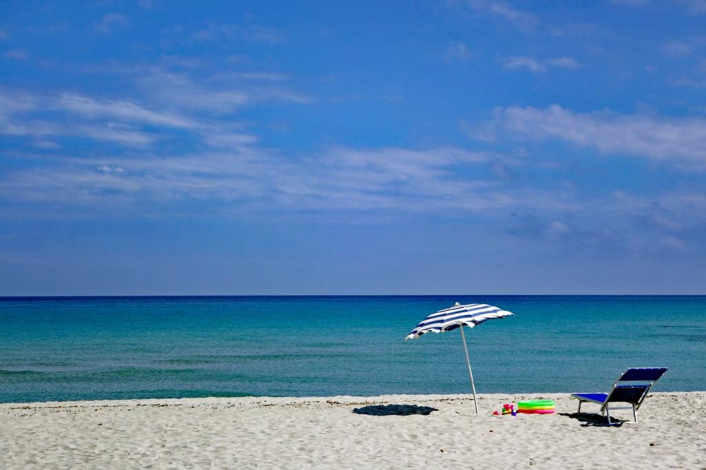 Playa sin gente