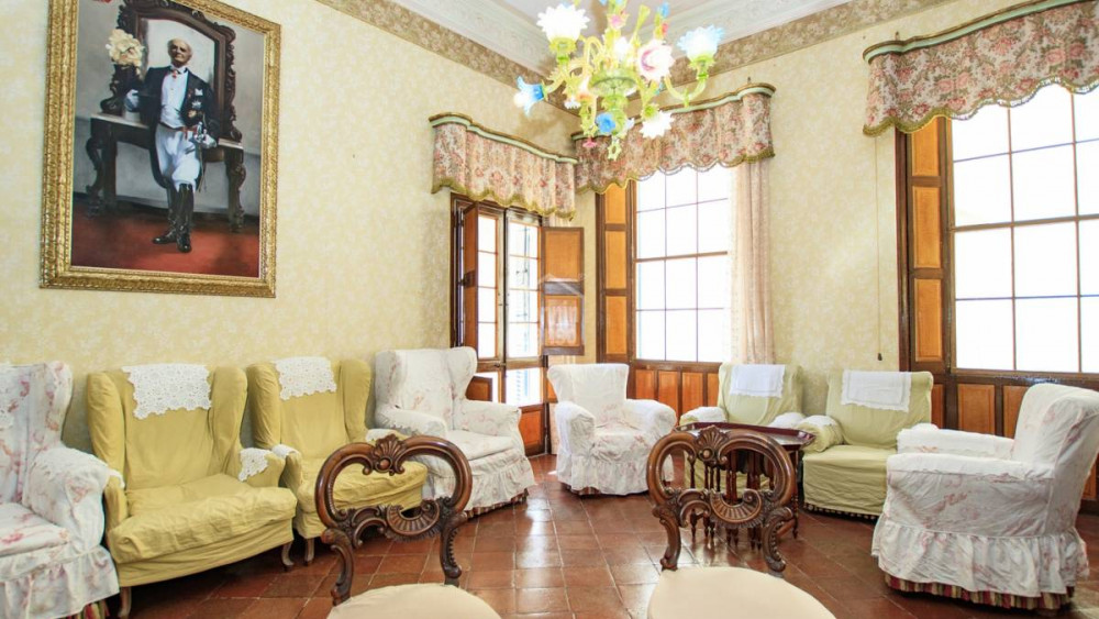 V deo y fotos el palacio de ensue o que se vende en el - Bonnin sanso menorca ...