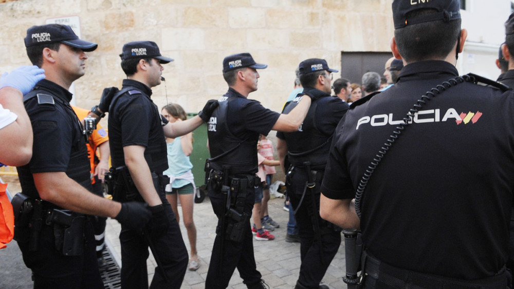 A día de hoy no existe ningún municipio que tenga suficientes policías para asegurar las fiestas