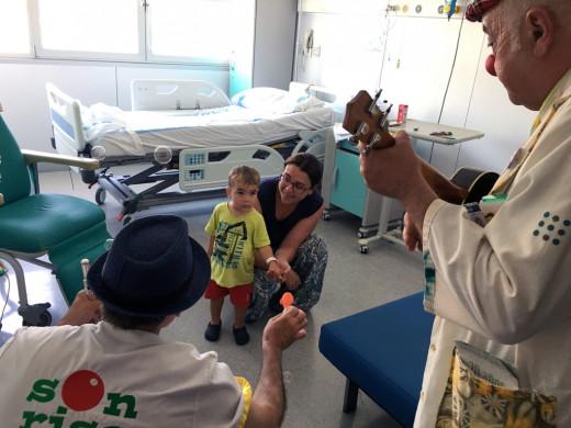 (Fotos) El Mateu Orfila receta alegría para los niños ingresados
