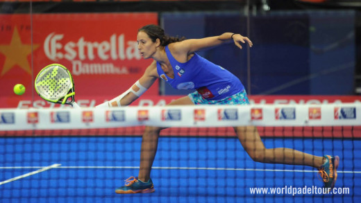 Triay golpea la bola (Foto: World Padel Tour)