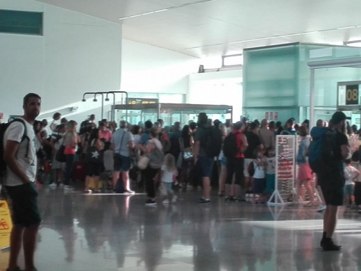 Los pequeños aeropuertos en verano aumentan actividad y las incidencias en vuelos