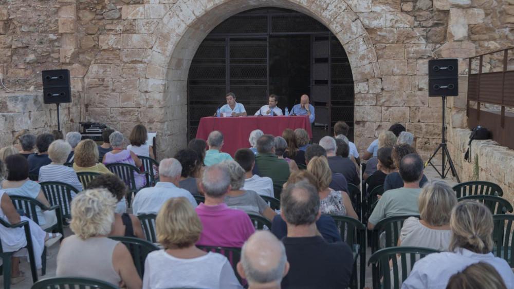 Momento de la charla (Fotos; Karlos Hurtado)