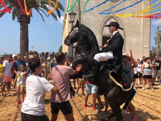 (Fotos) Calor, caballos y arena
