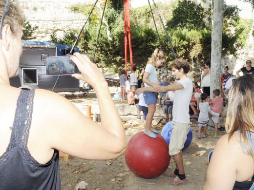 (Galería de fotos) El 'Festival de circo' comienza en Es Freginal con decenas de asistentes
