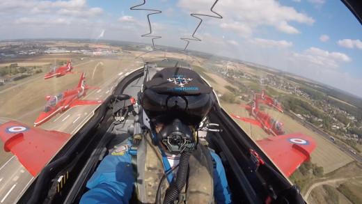 Uno de los jets, haciendo parada en Francia para repostar (Foto: Red Arrows)