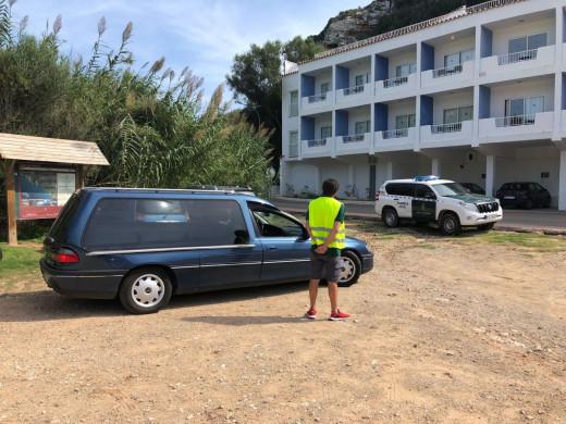 (Fotos) Muere un hombre al caer por el acantilado de Cala en Porter