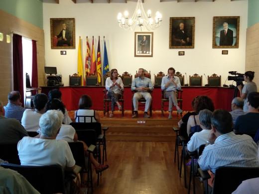 Imagen del encuentro en Es Castell.
