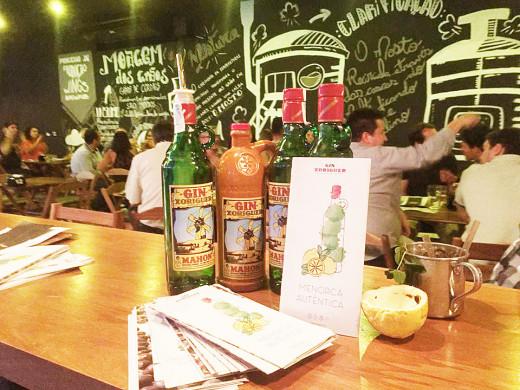 Gin Xoriguer en el emblemático establecimiento.