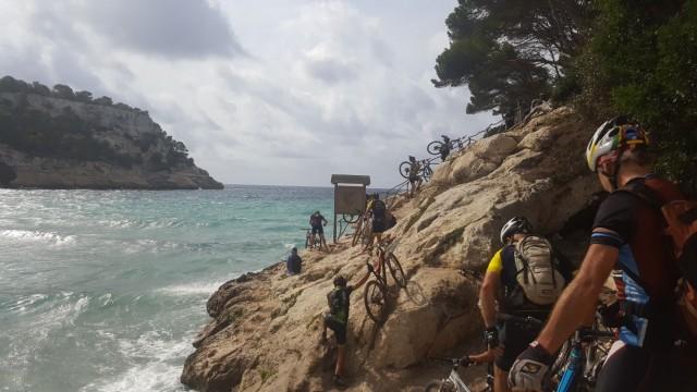 Ciclistas en la prueba del año pasado (Foto: Volta a Menorca)