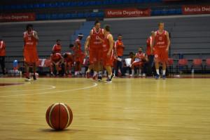 Jugadores del Murcia en un partido de pretemporada (Foto: Real Murcia)