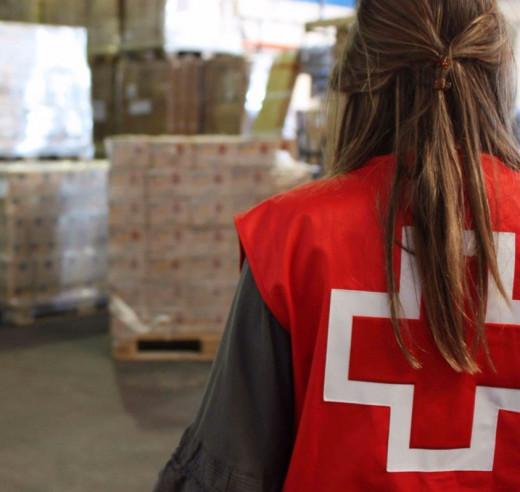 Voluntaria de Creu Roja.