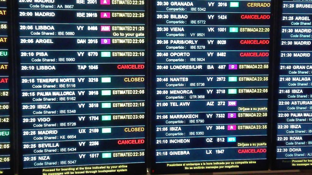 Vuelos con destino a Baleares retrasados o cancelados en el aeropuerto del Prat