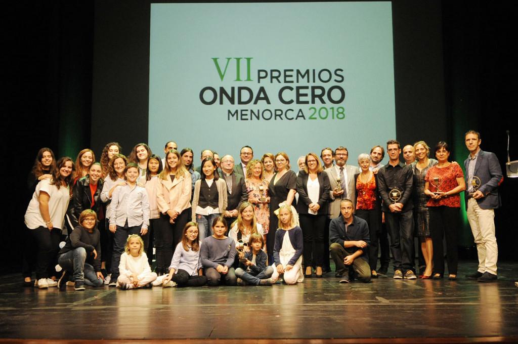Imagen de todos los galardonados en los Premios Onda Cero 2018