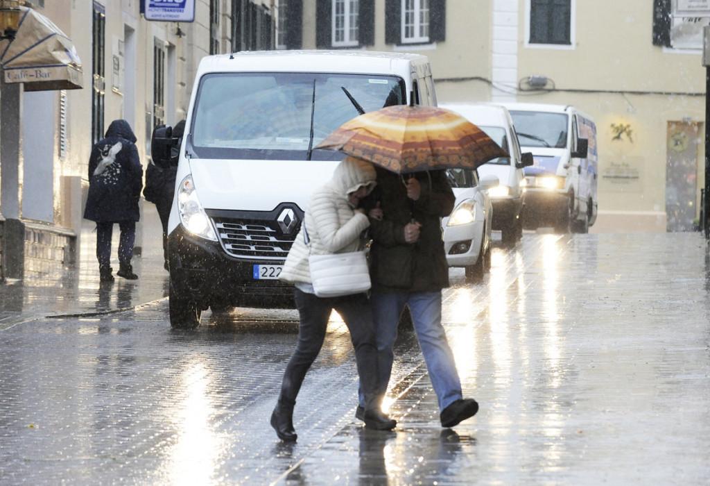 Los chubascos previsto para este viernes pueden llegar acompañados de tormentas (Foto: Tolo Mercadal)