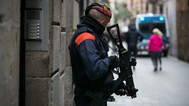 Ha sido detenido por los Mossos d'Esquadra.