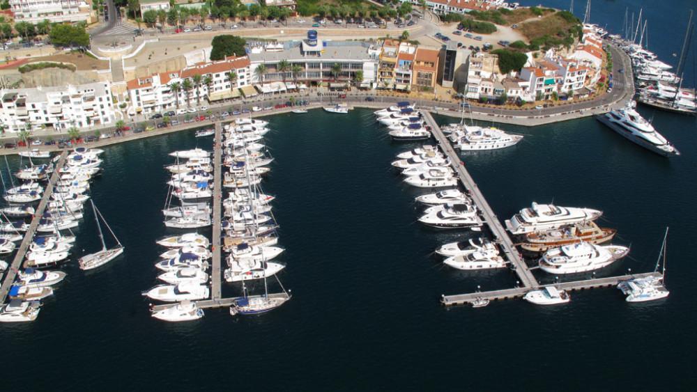Imagen aérea del puerto de Maó.