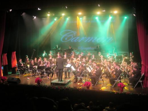 """(Fotos) Es Mercadal vibra con """"Carmen"""" y """"La leyenda del beso"""""""