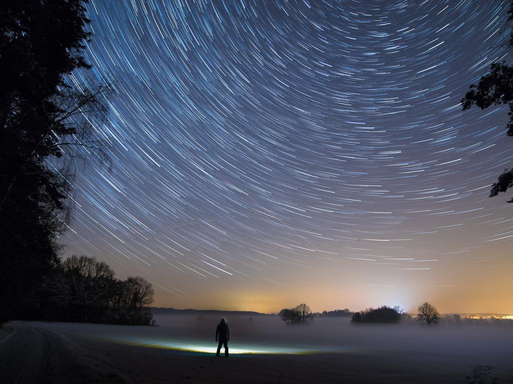 En otros lugares también se puede ver el cielo de noche, pero no son Menorca