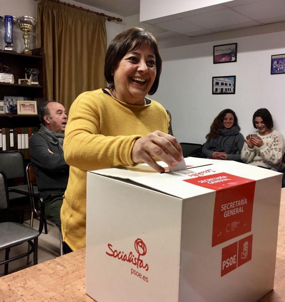 Carol Marquès sustituye a Teresa Borràs en la Secretaría General del PSOE de Sant Lluís