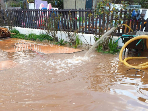 (Fotos y vídeo) Inundación