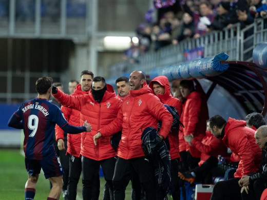 (Galería de fotos) Sergi Enrich marca ante el Espanyol su quinto gol en Liga