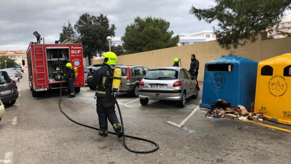 Los bomberos han llegado con rapidez para extinguir el fuego