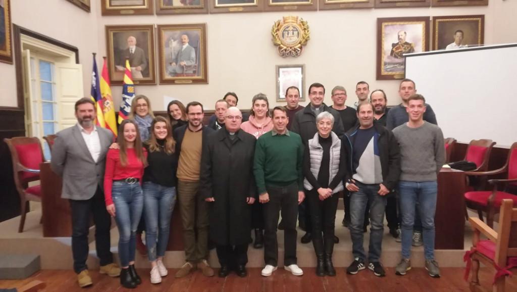 Imagen del acto celebrado en el Ayuntamiento de Maó