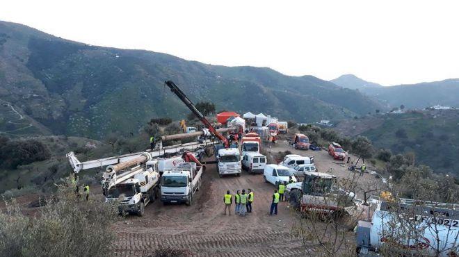 La dureza de la tierra que se excava ralentiza el rescate (Foto: Mallorcadiario)