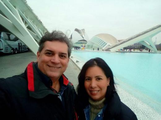 Gerardo Gómez y su esposa Marialejandra Portal, vecinos de Maó, en su visita a Valencia (Foto: Las Provincias)