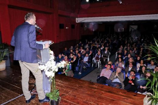Benejam se ha presentado en un acto abierto y participativo el auditorio del Centro Cultural