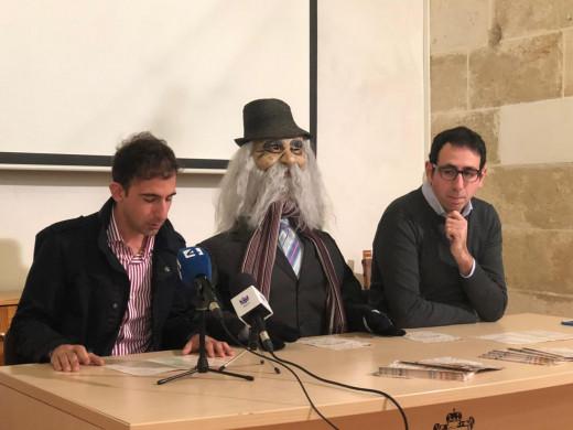 Los concejales Cristóbal Marqués y Rafel Quintana en la presentación de los actos de Carnaval