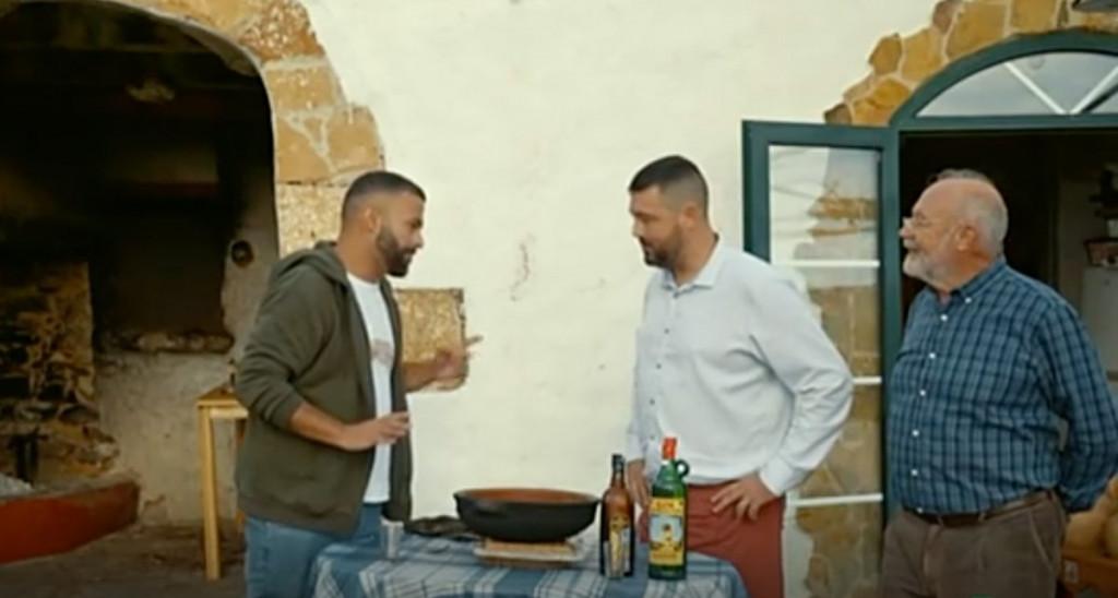 D'Ambrosio, a la izquierda, durante el rodaje.