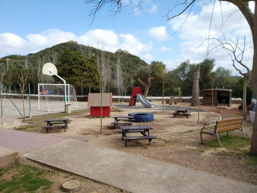 (Fotos) Arreglan los desperfectos que el cap de fibló causó en la escuela Tramuntana de Maó