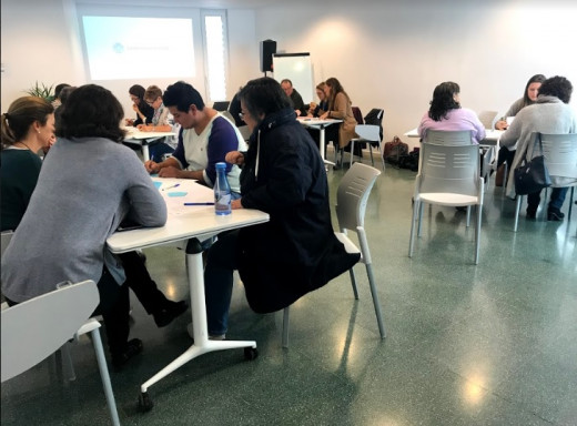 Imagen de una de las reuniones celebradas en Es Mercadal