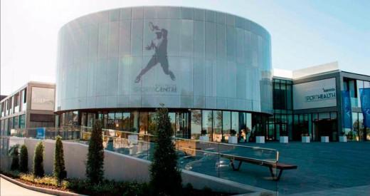 La academia de Rafa Nadal acogerá la presentación del evento y el tenista ha donado una equipación.