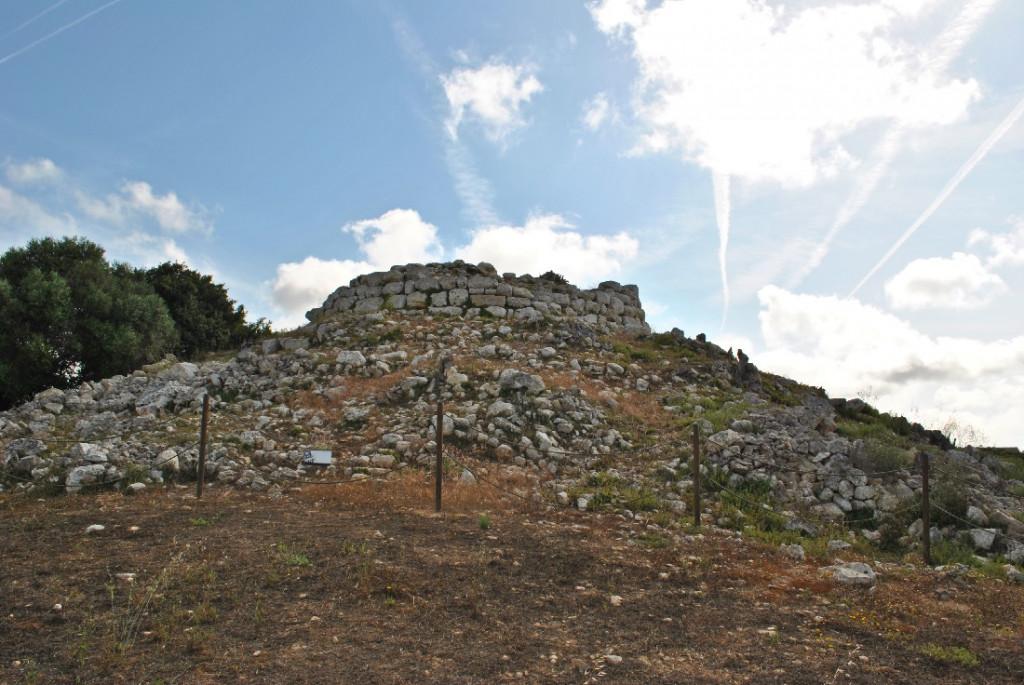 Talayot del poblado prehistórico Torralba den Salort