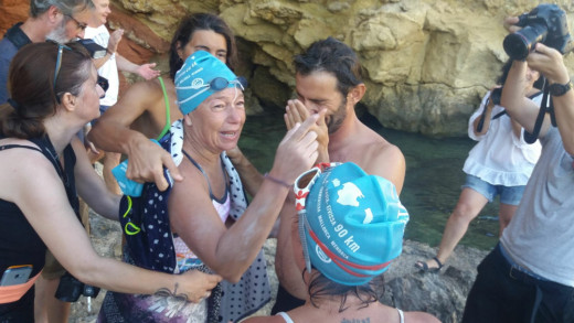 Tita Llorens, emocionada al unir la Península y Eivissa el pasado verano.