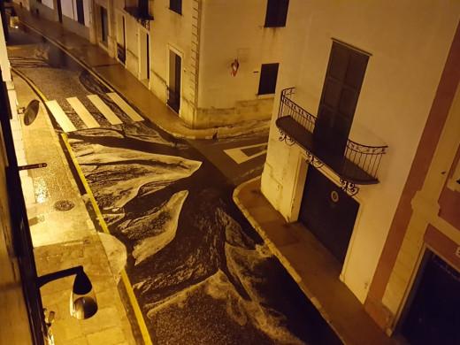(Fotos y vídeo) Espectacular granizada en Maó